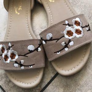 Tan floral sandals flats
